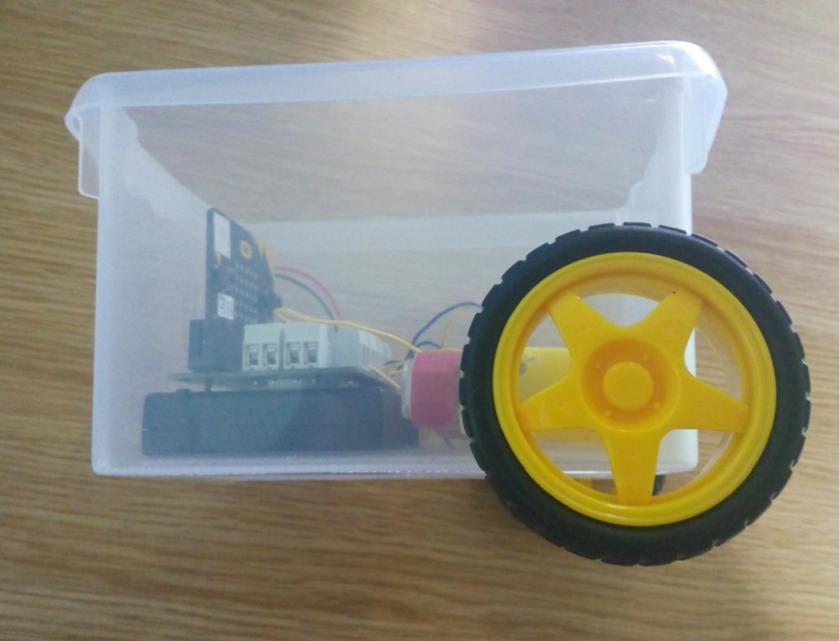 Build a micro:bit robot